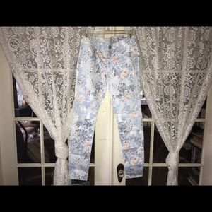 American Eagle Floral Stretch Skinny Jeans (0)
